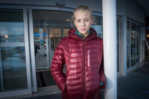 EKKELT: Eleverådsmedlem Dina Vardenær hadde gymtime i Tromsdalshallen da all aktivitet ble avbrutt og elevene ble bedt om å forlate området. - Litt ekkelt, sier 18-åringen. Foto: Torgrim Rath Olsen