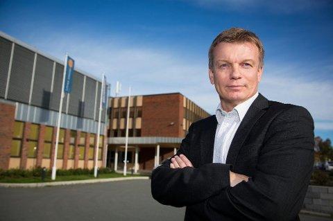 Konsernsjef Semming Semmingsen har lagt opp mot 2000 kvadratmeter kontorlokale ut til leie på Finn.no