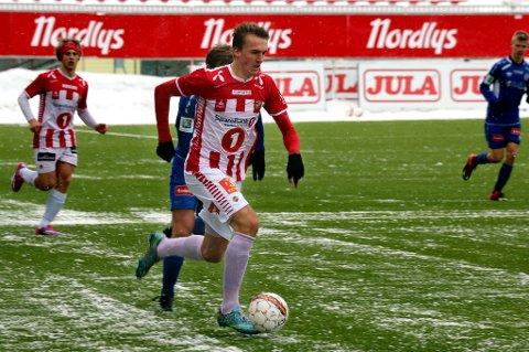 Runar Espejord i fint driv i treningskampen mot Senja på Alfheim. 20-åringen scoret alle TILs mål i 3-1-seieren, og leverte en god søknad om igjen å kunne starte for A-laget i eliteserien.