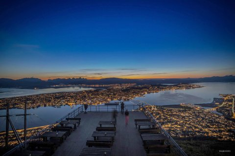 P åtripAdvisors Travelers choice-liste er det kun Oslo er bedre likt enn Tromsø. Her med utsikt fra Fjellheisen. Foto: Truls Tiller
