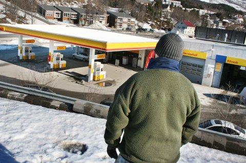 NEKTER SKYLD: Mannen som er siktet for fugledrap på Shell-taket hevder han bare gjorde det alle ville ha gjort.