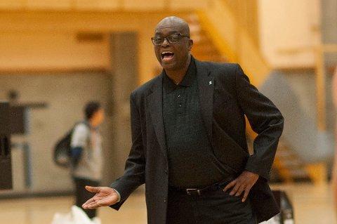 ELSKER TROMSØ: Tromsø Storm-trener Kenneth Webb sier at han er lysten på å fortsette i jobben som trener for Tromsøs basketlag.