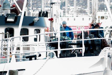 I TROMSØ: Her er kronprins Haakon om bord på «Vulkana» i Tromsø sentrum mandag kveld.