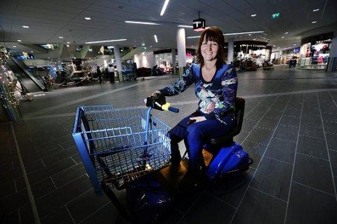 NYÅPNING: Senterleder Laila Myrvang kan glede seg over nok en nyåpning på Jekta, når sportskjeden Sport Outlet flytter inn.