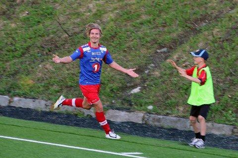 SCORET: Tor Martin Mienna scoret et fantastisk mål mot Oppsal. Her fra en tidligere anledning.