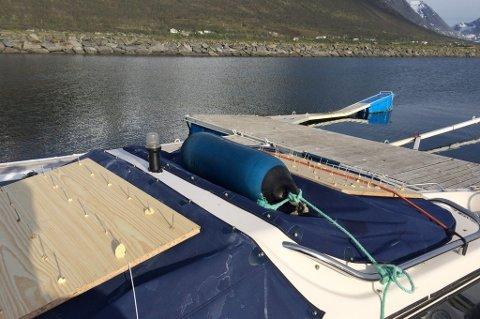 TILTAK: Oddgeir Albertsen var lei av måsene som gjorde fra seg på båten sin.