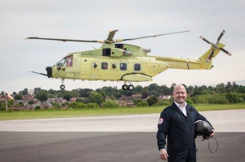Yeovil, Storbritannia 20160531. Justisminister Anders Anundsen prøveflyr et av Norges nye redningshelikopterne ,levert av Leonard Helicopters i Yeovil, Storbritanna. Foto: Nina E. Rangøy / NTB scanpix