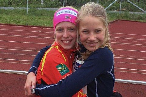 Frida Aasmoe (t.v) og Anna Wang Ørjavik er to store friidrettstalenter. De tok gull og bronse under Tyrvinglekene, uoffisielt NM, med høyder som ville kvalifisert dem for UM i J18/19-årsklassen!
