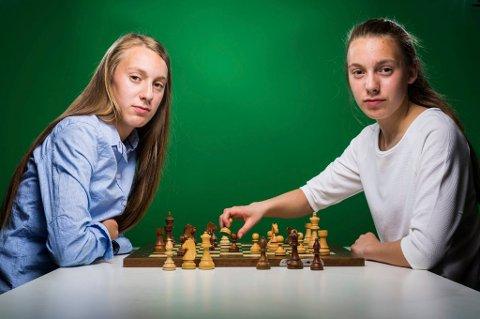 Tromsøtvillingene Monika og Edit Machlik er tatt ut på det norske førstelaget til sjakk-OL i september.