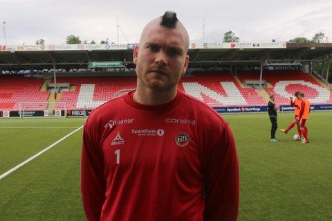 SKUMMEL: Gudmund Kongshavn dukket opp på dagens TIL-trening med en ny hårsveis.