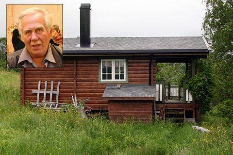 MÅ BETALE: Trond Hellemo (innfelt) benytter seg ikke av renovasjonsordningen til Lenvik kommune, men må likevel betale. Det er han lite fornøyd med.