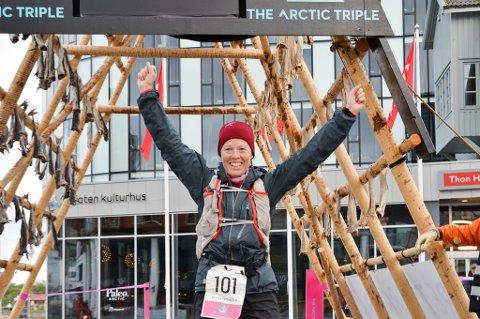 Vinneren av 100-miles (161 kilometer) i Lofoten, svenske Maria Nordfjell, som bor i Tromsø sammen med MSM-sjef Nils I. Hætta