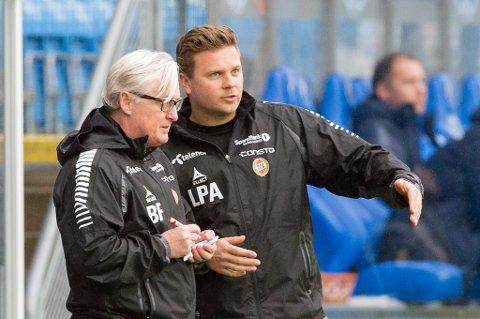 Lars Petter Andressen (t.h) forhandler om ny avtale med TIL. Bård Flovik (t.v) skrev tidligere i år avtale ut 2018. Nå er Andressen og TIL i dialog om en avtale med samme lengde.