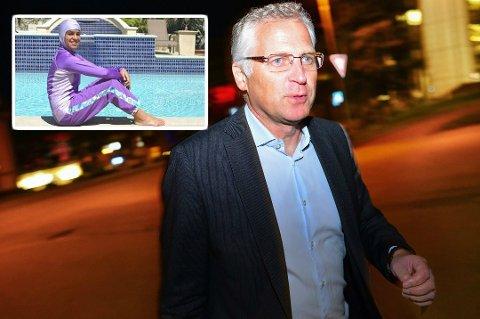 Øyvind Korsberg (Frp) taler partifelle Per Willy Amundsen midt i mot, og mener det er andre hensyn å ta enn hvilket plagg barna har på seg under svømmeopplæringa.