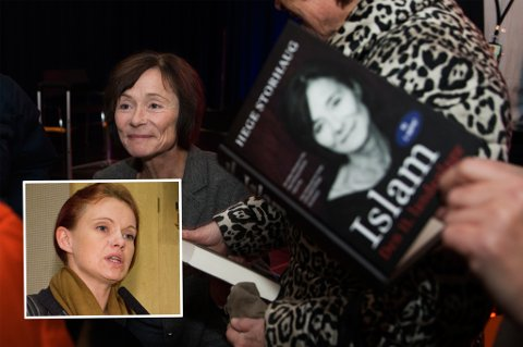 GAVE: FRP-politiker Hanne Iversen (innfelt) ville gi Hege Storhaugs bok «Islam. Den 11. landeplage» i gave til biblioteket i Harstad. FOTO: Ole Åsheim, NTB Scanpix / Berit Roald