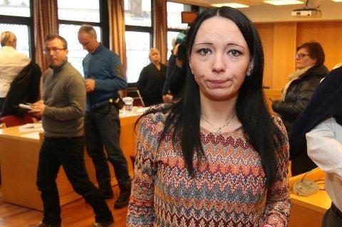 KOM SEG UT: Ruth Meyer Johansen og hennes fem barn kom seg til slutt ut av Syria. Her fra da hun vitnet mot sin tidligere ektemann i Senja tingrett.