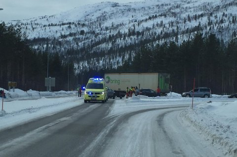 ULYKKE: To biler kolliderte 27. februar på E6 ved Buktamoen. Nå skal krysset bygges om.  Foto: Kristin Johannessen
