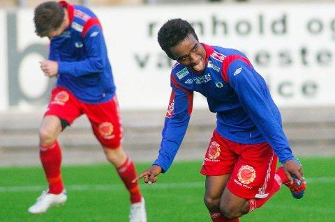 SCORET TO: Mohammed Ahamed (t.h.) scoret to av TUILs seks mål mot Oppsal søndag.