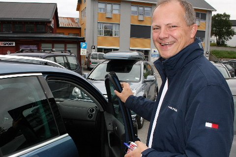 Statsråd Ketil Solvik-Olsen (Frp) var i svært godt humør da han nylig besøkte Finnsnes, og dro til og med en finnmarksvits.