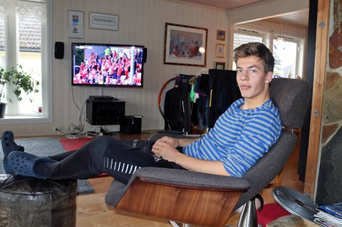 NY AVTALE: Jostein Gundersen (20) får ny kontrakt med TIL som belønning for den jobben han har gjort denne sesongen. Det betyr blant annet at 20-åringen kan flytte fra gutterommet til sokkelleiligheta i foreldrenes hus på Tromsøya.