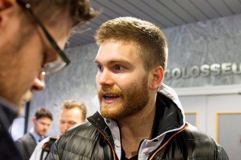 INJEKSJON: Gudmund T. Kongshavn har satt en kortisonsprøyte, som han håper skal løse skadeproblemene som har satt han på sidelinja siden juli.