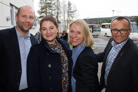 AP-GJENG: Målselvordfører Nils Ole Foshaug (t.v.), fylkesrådsleder Cecilie Myrseth, forsvarskomiteleder Anniken Huitfeldt og sørreisaordfører Jan Eirik Nordahl etter  forsvarsmøtet på Bardufoss tirsdag ettermiddag.
