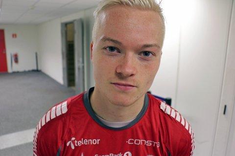 SKUFFET: Aron Sigurdarson er tydelig på at han ikke er fornøyd med sin første sesong i TIL-trøya. Etter pangdebuten mot Molde i serieåpninga har islendingen slitt med å imponere, og har ikke startet i eliteserien for TIL siden midten av juli.