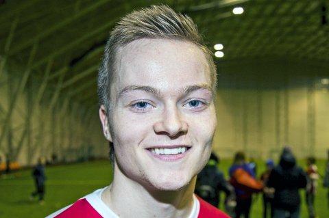 SCORET IGJEN: Aron Sigurdarson scoret 2-0-målet da Island slo Kina 2-0 og gikk til finalen i China Cup.