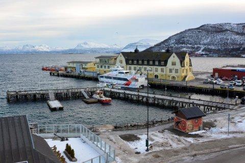 FRIFUNNET: Politiet og påtalemyndigheten mener at den unge mannen voldtok en kvinne på dekk på en hurtigbåt som lå til kai i Harstad. Han er nå frikjent i Trondenes tingrett. Verken tiltalte eller fornærmede har noen tilknytning til Boreal, rederiet som opererer hurtigbåtene i Troms. Båten på bildet har ingenting med saken å gjøre.