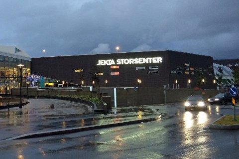 PÅ JEKTA: Erotikkhuset har holdt til på Jekta siden mai 2015. Før den tid var butikken lokalisert i Tromsø sentrum.