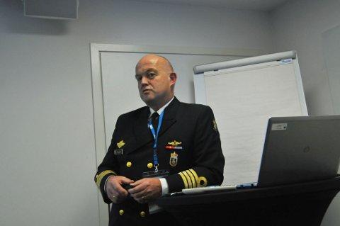 MULIGE TRUSLER: Kommandørkaptein Ottar Haugen i Kystvakten fortalte om utfordringer med cruise-trafikk i Arktis under Arctic Frontiers onsdag.