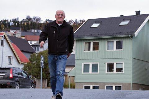 LIVSGNIST: Arvid Berg (63) har aldri levd et mer aktivt liv enn han gjør i dag. For tre år siden fikk han hjerneblødning, og hadde marginene på sin side som kom levende fra hendelsen. I dag går han daglig, og fullførte 22 av 22 løp i årets Tromsøkarusell.