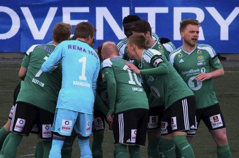 NY NEDTUR: Finnsnes avsluttet en tung sesong i 2.divisjon med 0-2-tap for KFUM. Nedrykket var klart allerede forrige helg.
