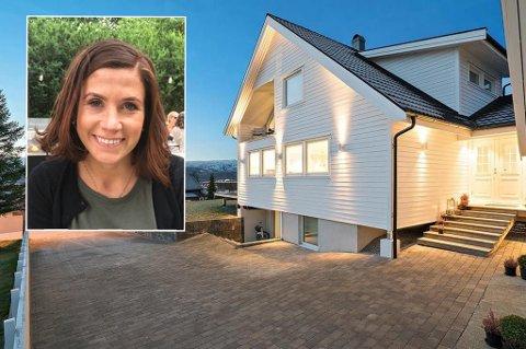 ENDELIG SOLGT: Det tok sin tid, men nå er Kristin Harilas hus på Mortensnes solgt. Trist, sier selgeren selv.