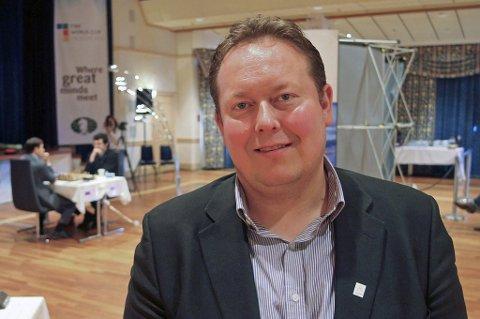 SLÅR TILBAKE: Formannskapsmedlem Jarle Heitmann mener Høyre bommer med utspillet med å finansiere nye idrettsanlegg i Tromsø gjennom om omregulere Valhall friidrettsanlegg til boligformål. – De begynner i feil ende, jeg savner forankring hos idretten selv, sier Heitmann.
