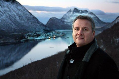 PÅ VERSTINGLISTE: Det er ikke bra, konstaterer ordfører i Torsken, Fred Ove Flakstad, når Nordlys ringer og spør om en kommentar til Lindorffs oversikt.