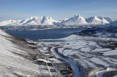 BYGGEPLANER: Her på Breivikeidet tett på golfbanen planlegger selskapet Arctic Village utbygging av 48 hytter, restaurant og spatilbud for turister og andre brukere.