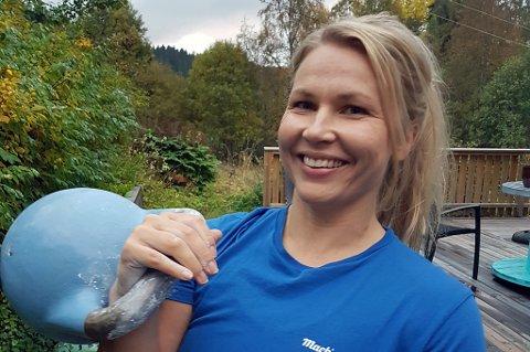 VM-KLAR: Hege Jenssen er på plass i Sør-Korea for å delta i VM i kettlebell sport, der øvelsen hun konkurrerer i  går ut på å løfte ei jernkule på 16 kilo flest ganger over hodet, med en hånd, i løpet av ti minutter.