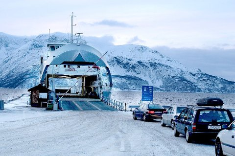 INNSTILLES: Ullsfjordferga blir innstilt en uka fra neste onsdag på grunn av arbeider med fergeleiene.