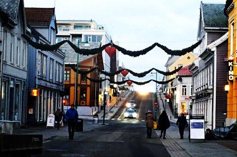 De nye julegatene i Tromsø skal offisielt åpnes fredag. Foto: Stian Saur