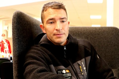 FERDIG: Jonas Johansen forteller at TIL ikke kunne tilby han en ny avtale. Nå går han i stedet videre til Fløya.