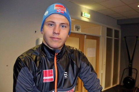 IMPONERTE: Erik Valnes gikk inn til en knallsterk tiendeplass på prologen i verdenscupen på Lillehammer og sikret seg verdenscuppoeng i debuten.