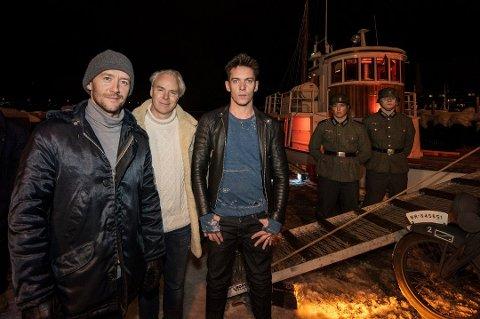 Thomas Gullestad, Harald Zwart og Jonathan Rhys-Meyers på pressemøte før verdenspremieren av «Den 12. mann» for et par uker siden. Her foran båten «Hermes 2» som også spiller en rolle i filmen - «Brattholm», som ble sprengt i fillebiter da tyskerne oppdaget sabotørene.