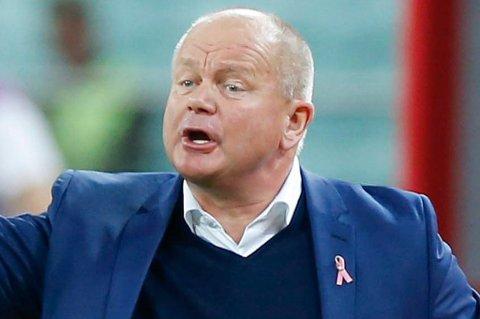 PÅ JAKT: Per-Mathias Høgmo utelukker ikke at han kommer til å se nordover når han skal forsterke Fredrikstad med tanke på å komme seg oppover i norsk fotball igjen.