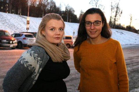 HJELPER: Annika Alexandersen og Astrid Weber jobber nå for å hjelpe psykisk syke. Tidligere var det de som fikk hjelp. Foto: Astrid Øvre Helland