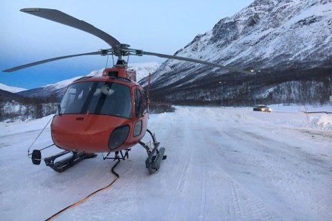 Det innleide helikopteret rett før take-off i Lavangsdalen.
