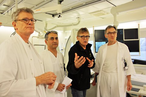 SIER NEI: Her ved operasjonsbordet samarbeider UNNs hjertespesialister om høyteknologiske inngrep for å berge hjertepasienter. Overlege Terje Steigen (til høyre) og hans kolleger hjertekirurg Rolf Busund (til venstre), overlege Amjid Iqbal og klinikkoverlege Mads Gilbert er fortsatt sterkt mot å opprette et nytt PCI-senter i Bodø.