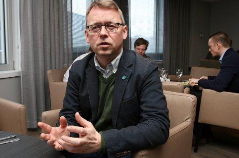 Stortingskandidat Morten Skandfer (V) i Troms i lunsjpausen under årsmøtet på Finnsnes.