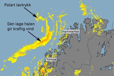 KRAFTIGE SNØBYGER: Liten til full storm og kraftige snøbyger treffer land i dag mellom Tromsø og Hammerfest. Illustrasjon: Skjermdump Meteorologene på Twitter