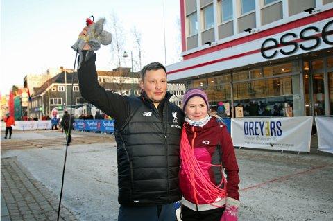 VINNERE: Mikkel Andreas Eira og Elle Martine Eira gikk til topps i NM i lassokasting i Tromsø lørdag.